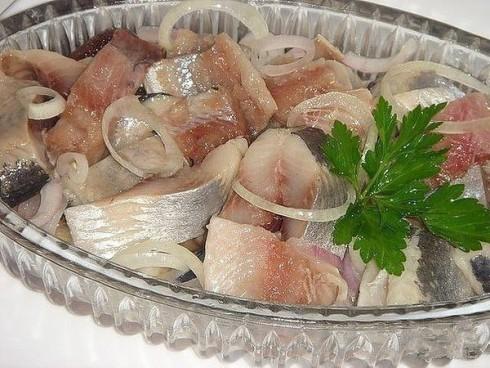 Салаты с селедкой Рецепты приготовления салатов из сельди