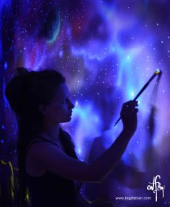 glowing-murals-by-bogi-fabian3__880