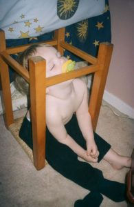 funny-kids-sleeping-anywhere-38-57a9883a091f7__605