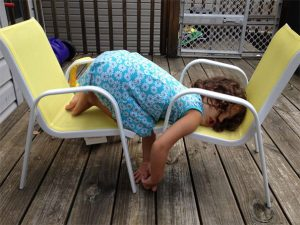 funny-kids-sleeping-anywhere-84-57a988a9d9143__605