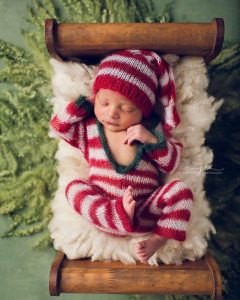 newborn-babies-christmas-photoshoot-knit-crochet-outfits-12-584ac7b35dff3__880