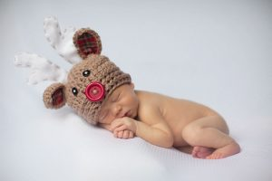 newborn-babies-christmas-photoshoot-knit-crochet-outfits-26-584e9903ab226__880