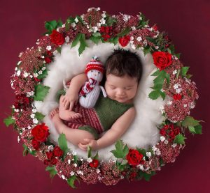 newborn-babies-christmas-photoshoot-knit-crochet-outfits-34-584ea53b54936__880