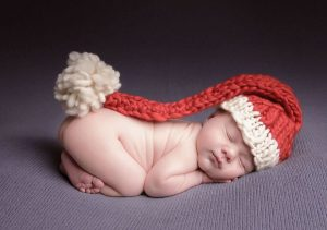 newborn-babies-christmas-photoshoot-knit-crochet-outfits-41-584eb57454143__880