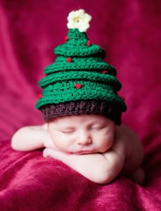 newborn-babies-christmas-photoshoot-knit-crochet-outfits-47-584ec244e2922__880