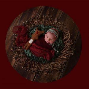 newborn-babies-christmas-photoshoot-knit-crochet-outfits-6-584ac7a5b38a2__880