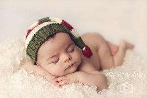 newborn-babies-christmas-photoshoot-knit-crochet-outfits-7-584ac7a80cbb6__880