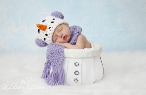 newborn-babies-christmas-photoshoot-knit-crochet-outfits-79-584ea87ca635f__880