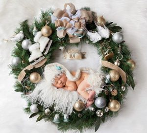 newborn-babies-christmas-photoshoot-knit-crochet-outfits-8-584ac7abc56f3__880