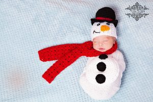 newborn-babies-christmas-photoshoot-knit-crochet-outfits-86-584fa15c1eb5f__880