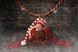 newborn-babies-christmas-photoshoot-knit-crochet-outfits-87-584fa1e8d4b4d__880
