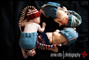 newborn-babies-christmas-photoshoot-knit-crochet-outfits-89-584facc2f22a2__880