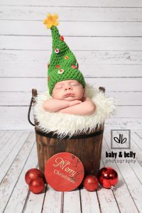 newborn-babies-christmas-photoshoot-knit-crochet-outfits-92-584fb60bc952f__880