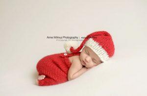 newborn-babies-christmas-photoshoot-knit-crochet-outfits-94-584fc3d3f19e5__880